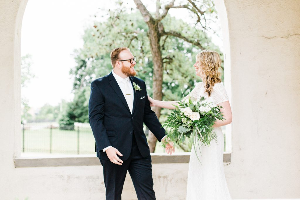 haley-richter-photography-american-swedish-historical-museum-spring-wedding-037