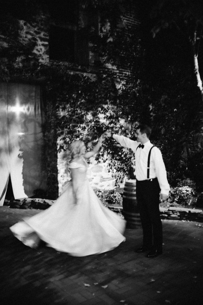 emcee_studio_photographie_wedding_photography_bride_groom_bri_jake_oct16-670