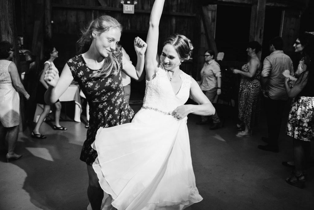 emcee_studio_photographie_wedding_photography_bride_groom_jen_zach_aug_2016-467
