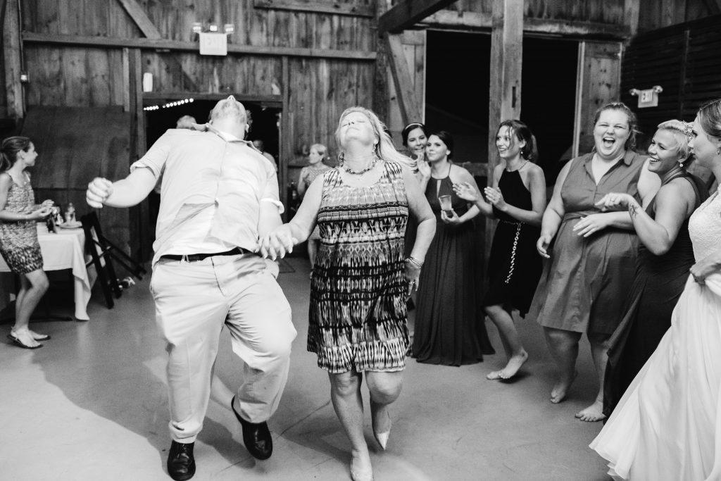 emcee_studio_photographie_wedding_photography_bride_groom_jen_zach_aug_2016-451