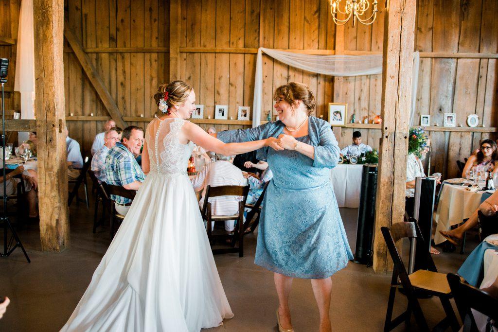 emcee_studio_photographie_wedding_photography_bride_groom_jen_zach_aug_2016-324