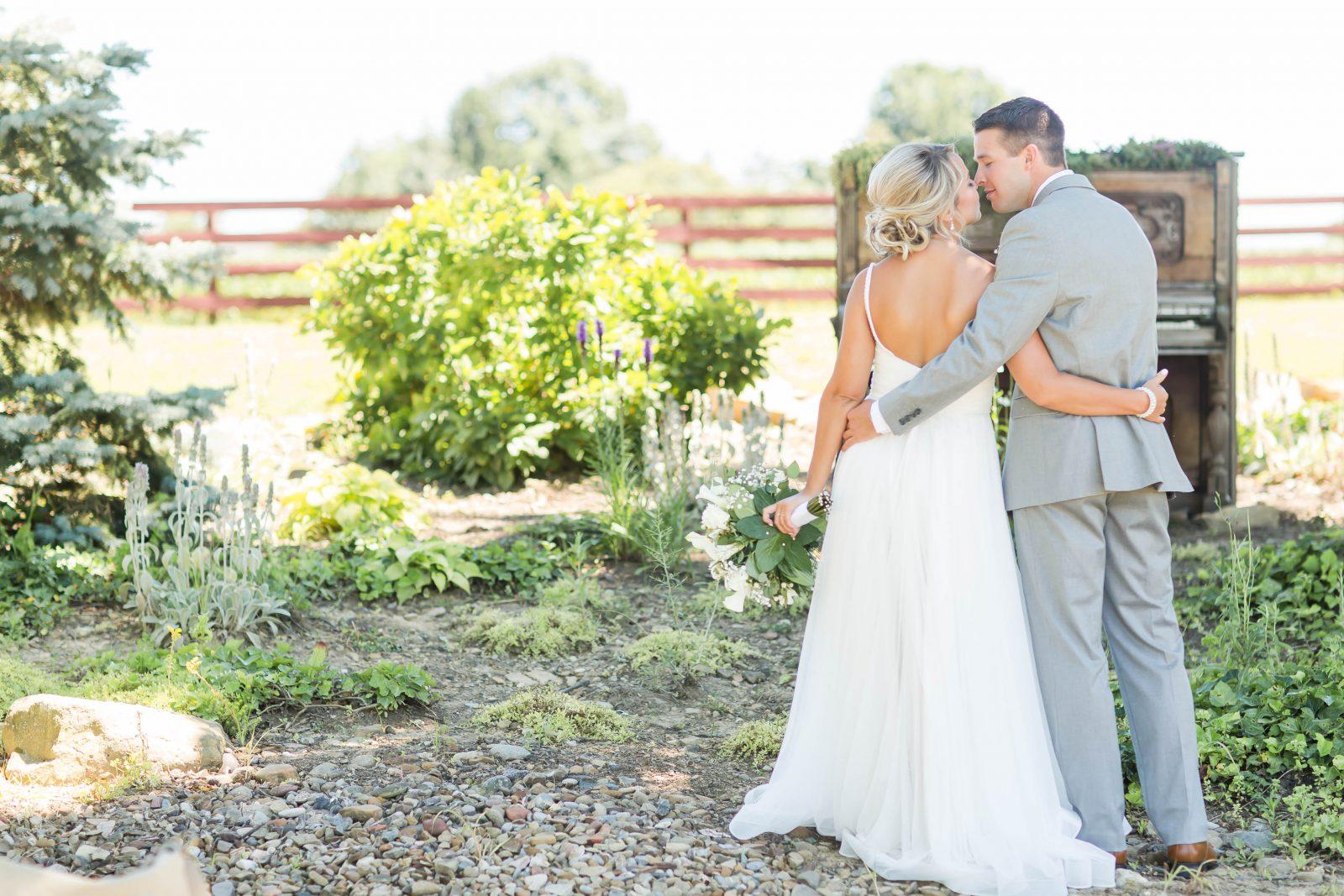 peacock-ridge-summer-wedding-photographer-akron-ohio-loren-jackson-photography-50