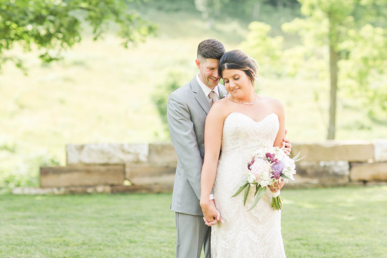rivercrest-farm-summer-wedding-loren-jackson-photography-46
