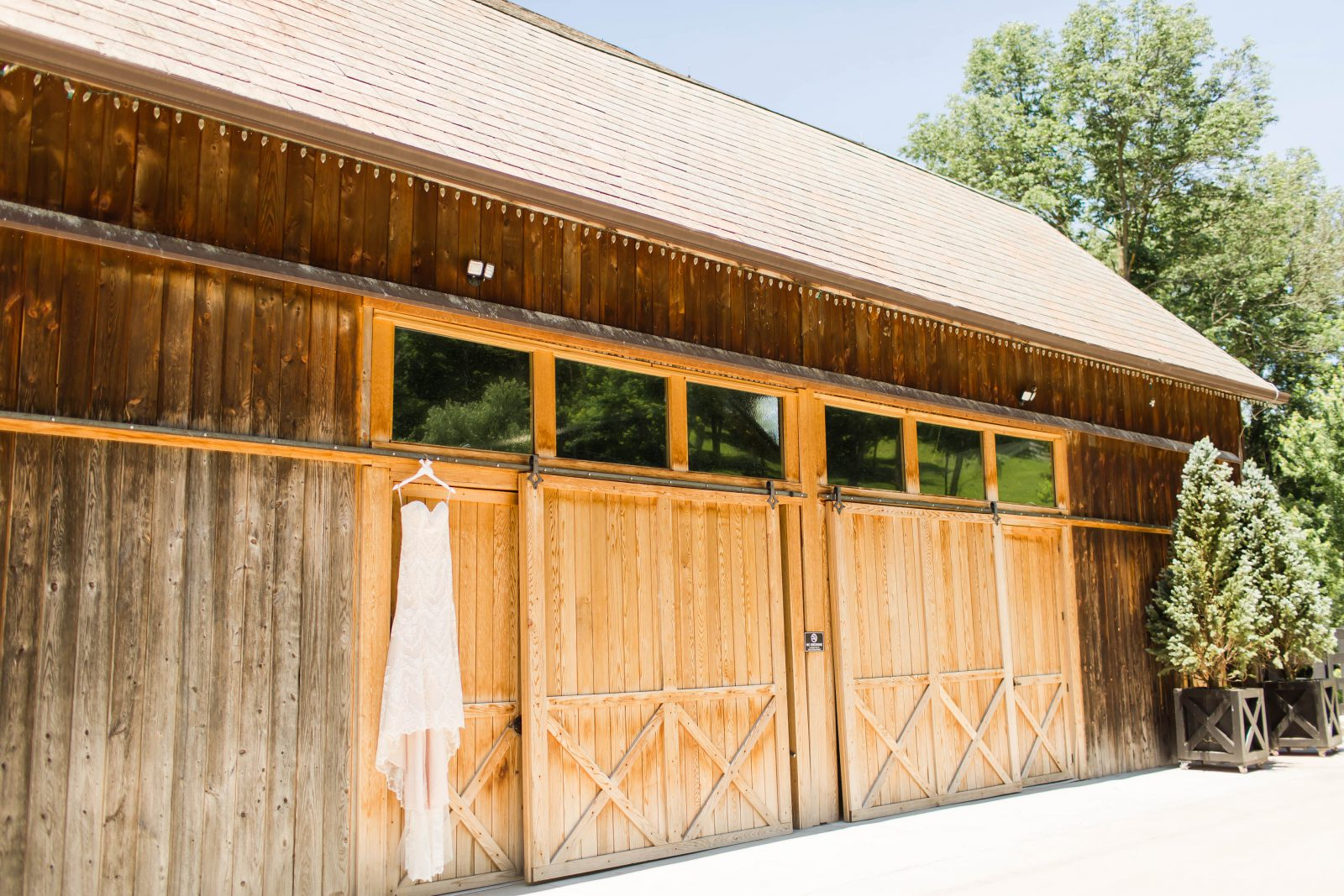 rivercrest-farm-summer-wedding-loren-jackson-photography-1