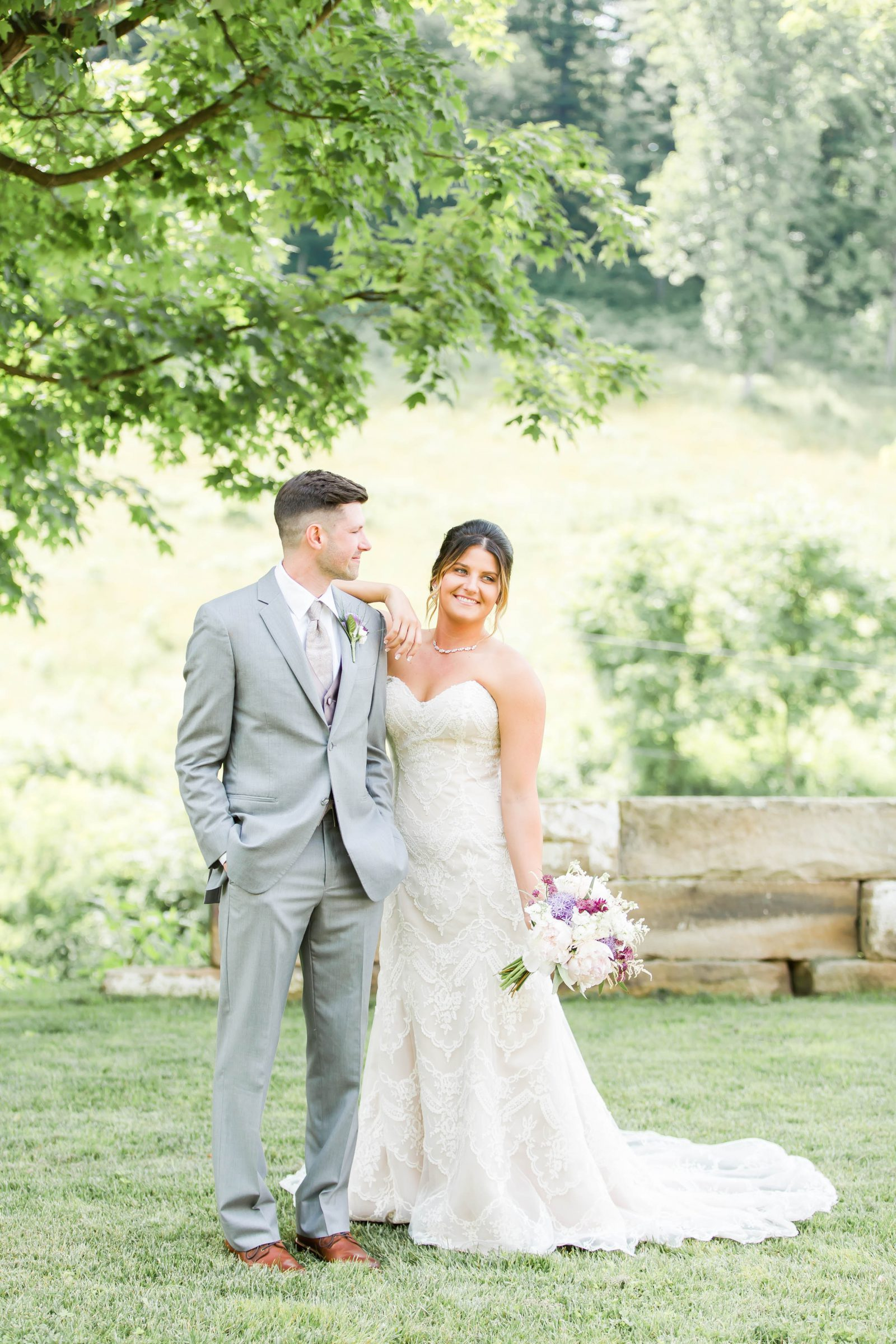 rivercrest-farm-summer-wedding-loren-jackson-photography-33