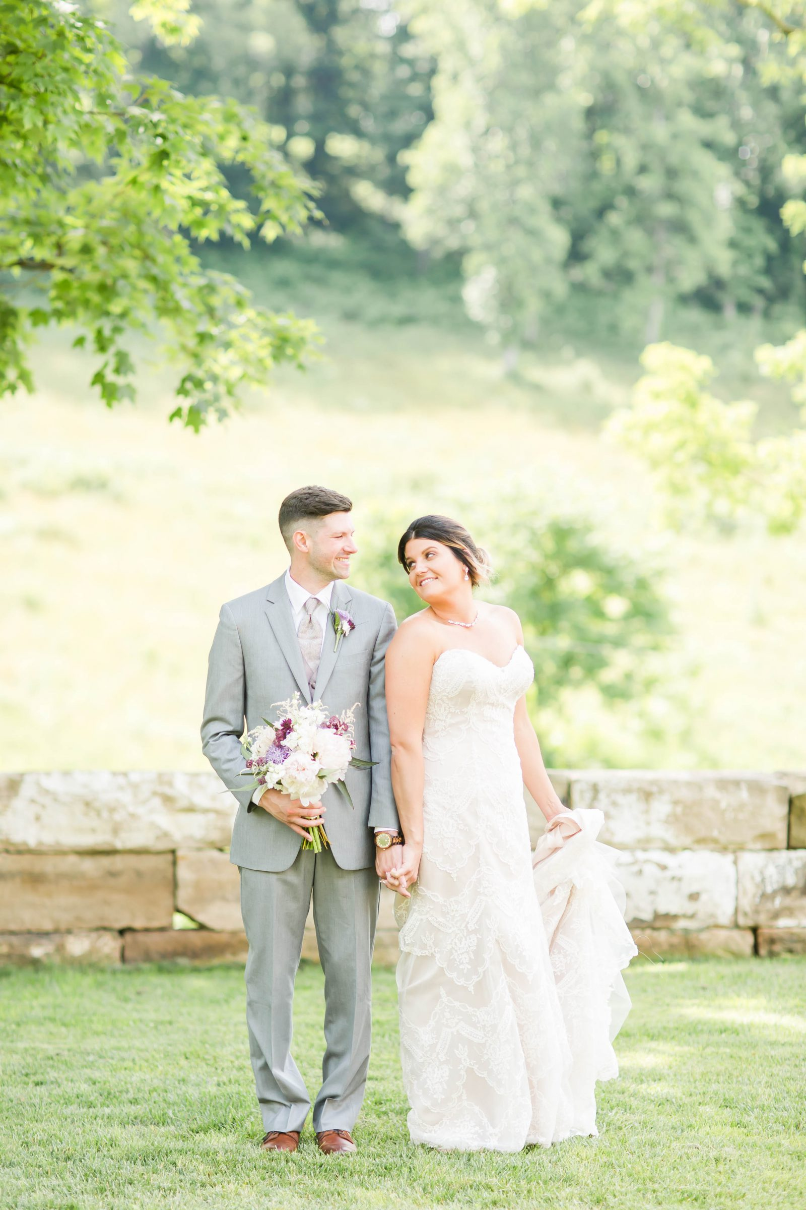 rivercrest-farm-summer-wedding-loren-jackson-photography-47
