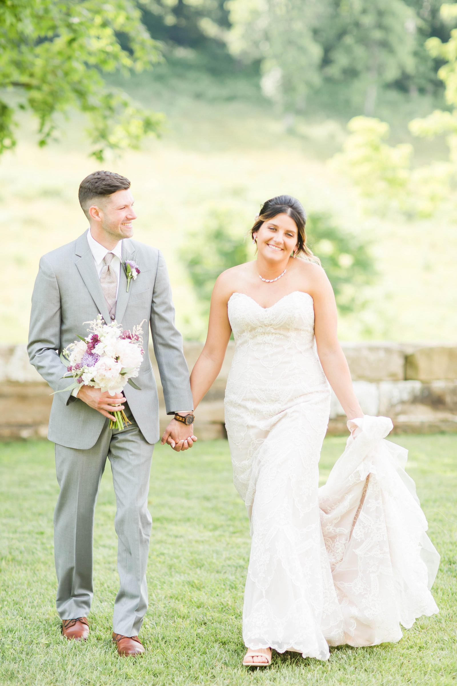 rivercrest-farm-summer-wedding-loren-jackson-photography-48