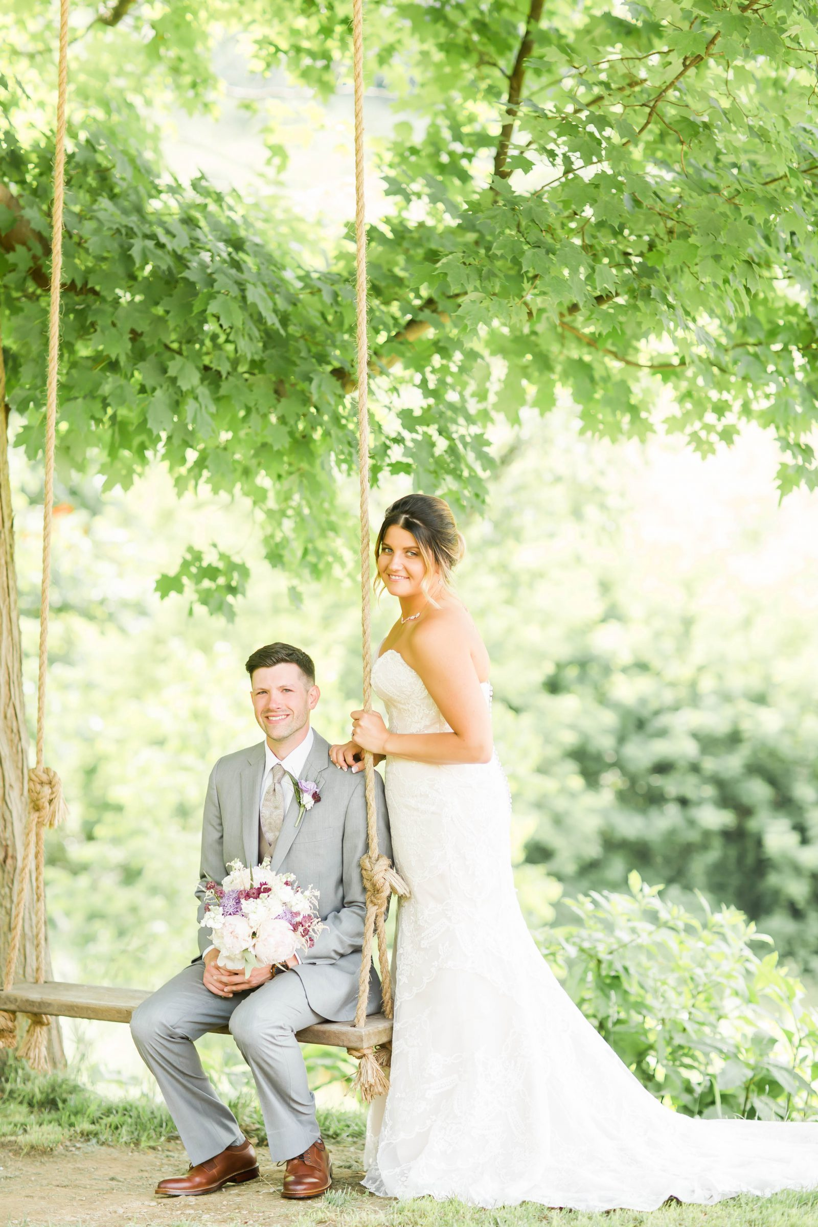 rivercrest-farm-summer-wedding-loren-jackson-photography-43