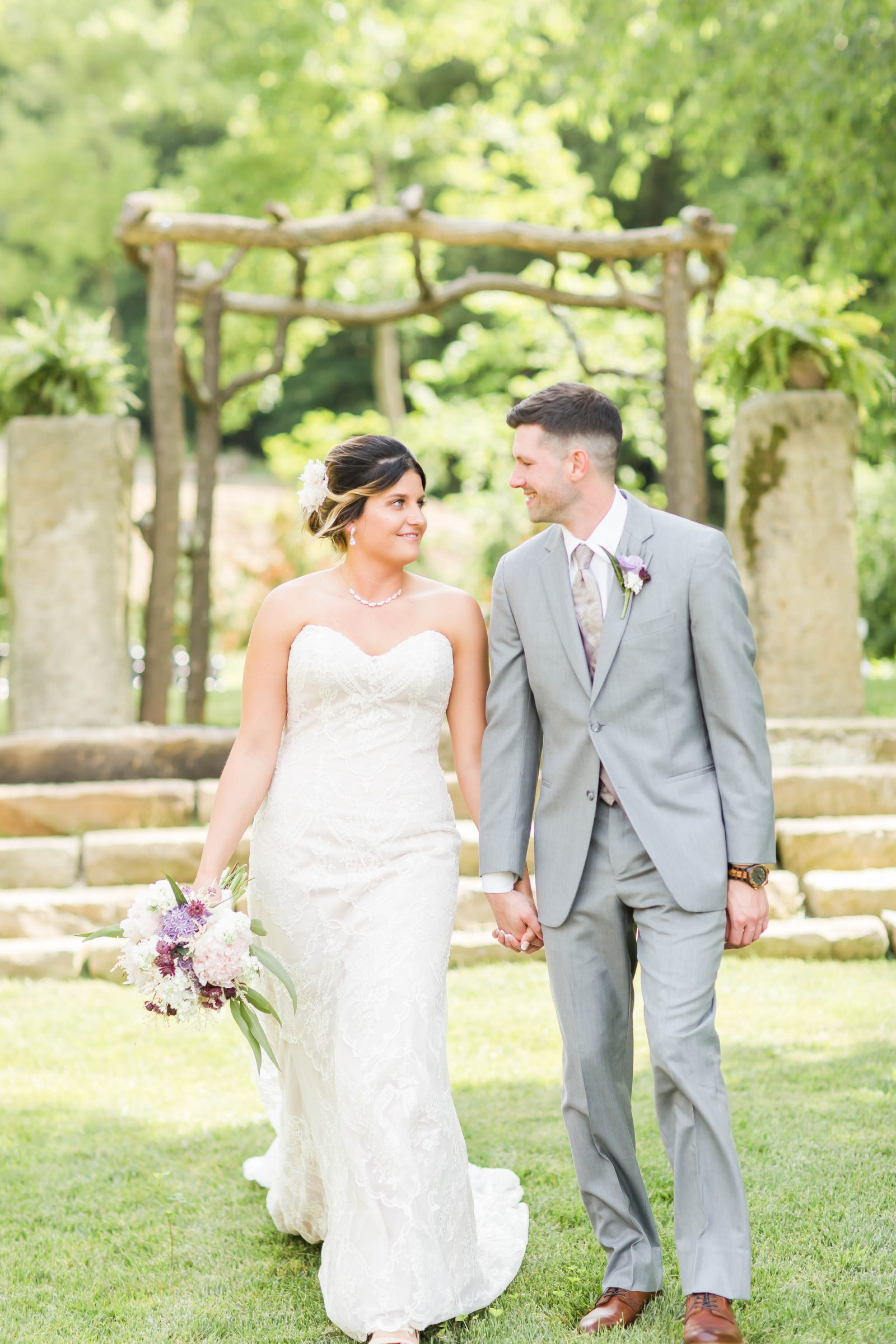 rivercrest-farm-summer-wedding-loren-jackson-photography-45