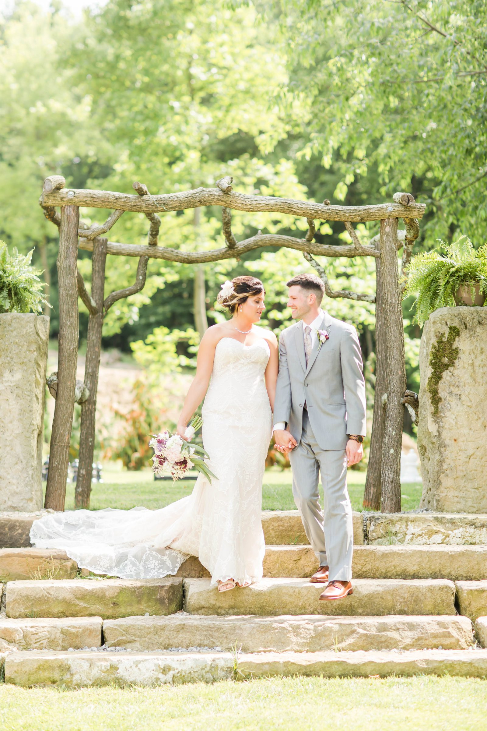 rivercrest-farm-summer-wedding-loren-jackson-photography-44