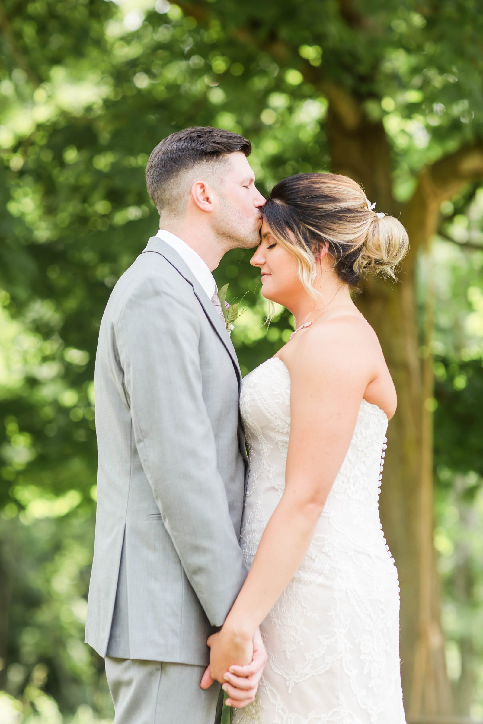 rivercrest-farm-summer-wedding-loren-jackson-photography-37