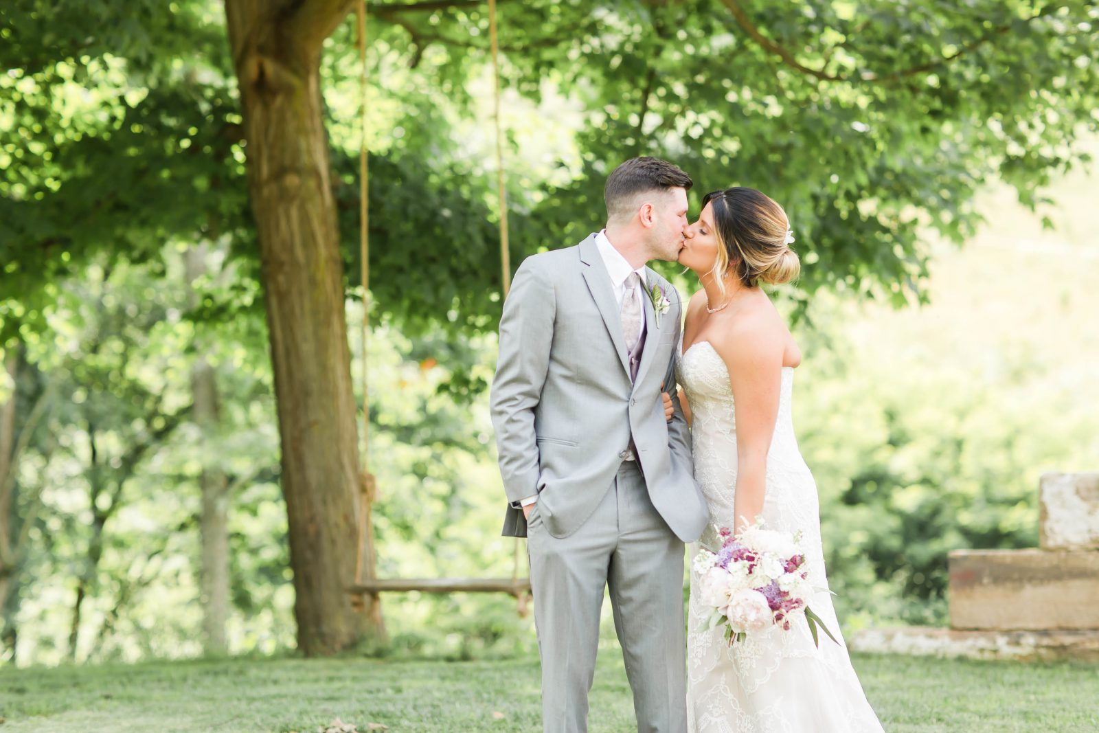 rivercrest-farm-summer-wedding-loren-jackson-photography-32