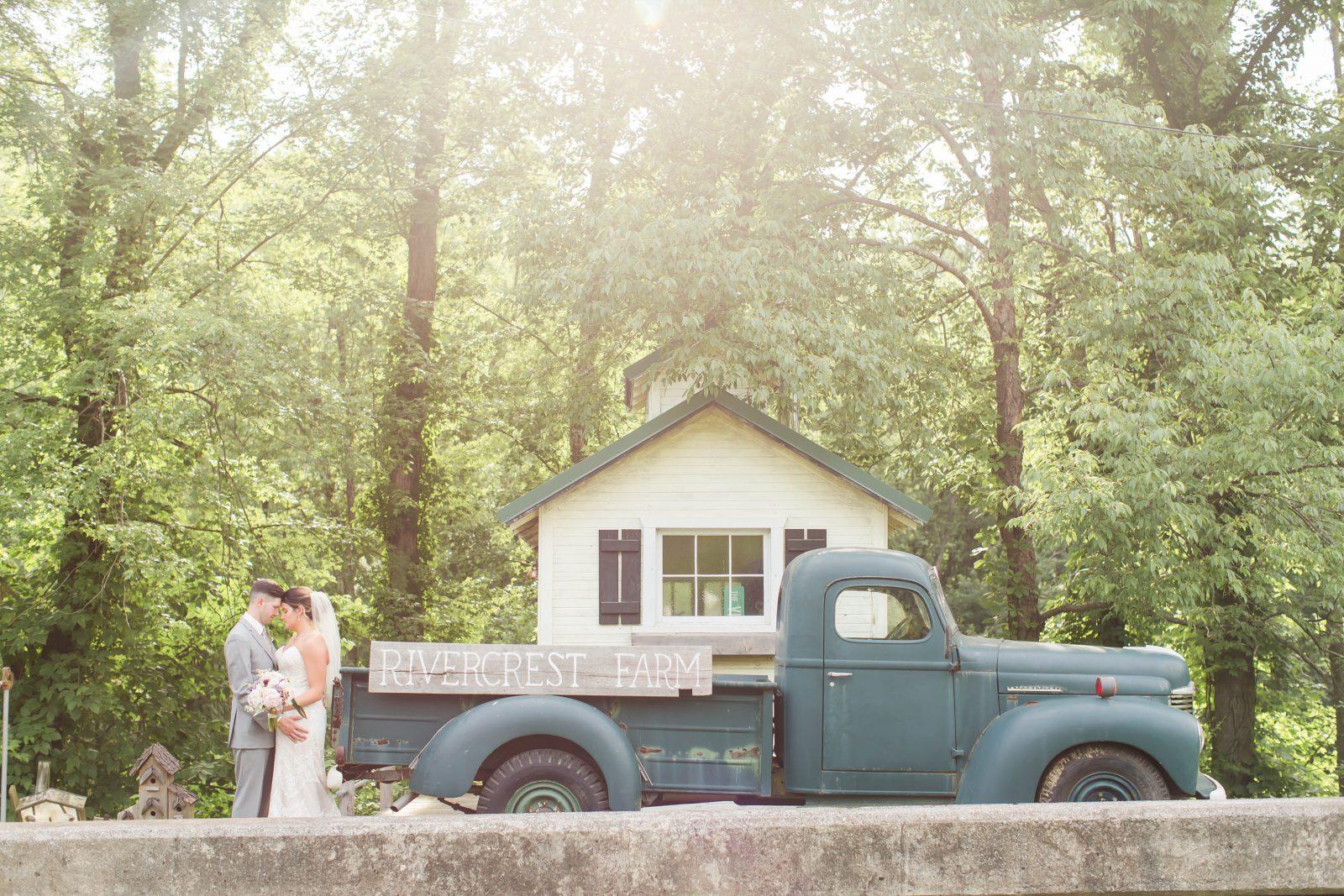 rivercrest-farm-summer-wedding-loren-jackson-photography-87