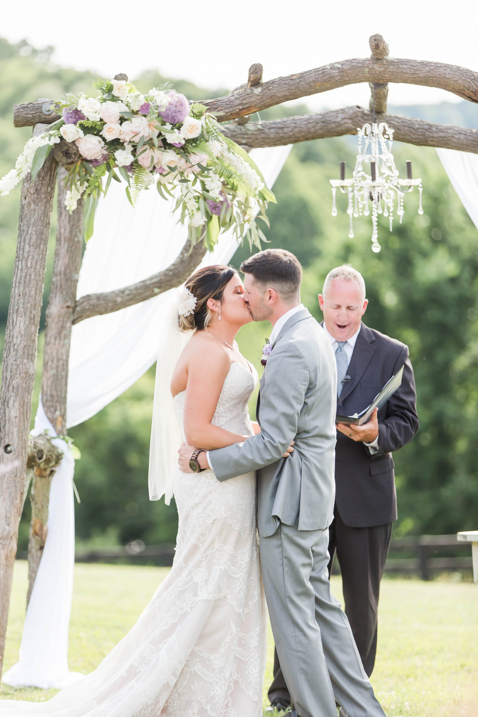 rivercrest-farm-summer-wedding-loren-jackson-photography-82