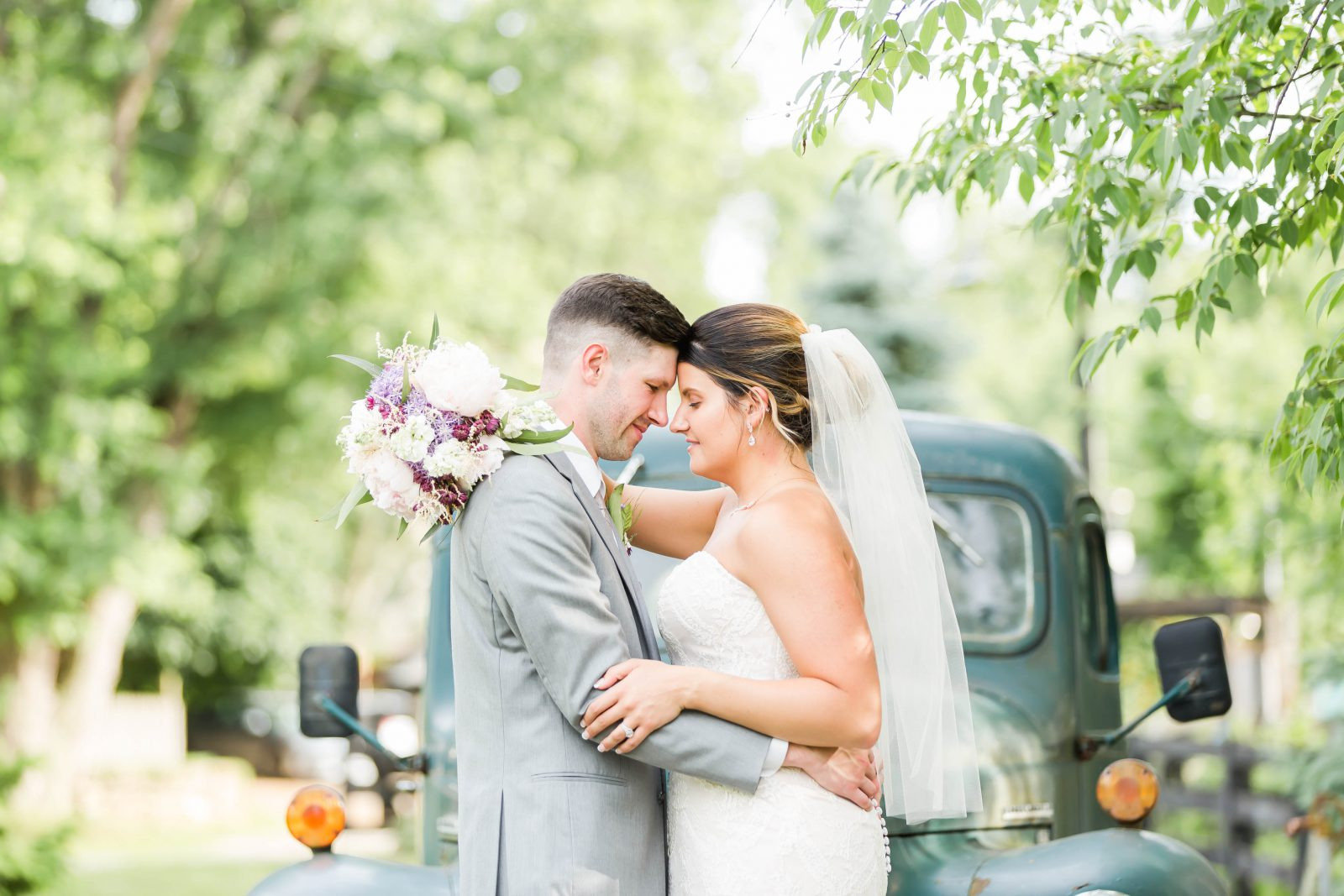 rivercrest-farm-summer-wedding-loren-jackson-photography-89
