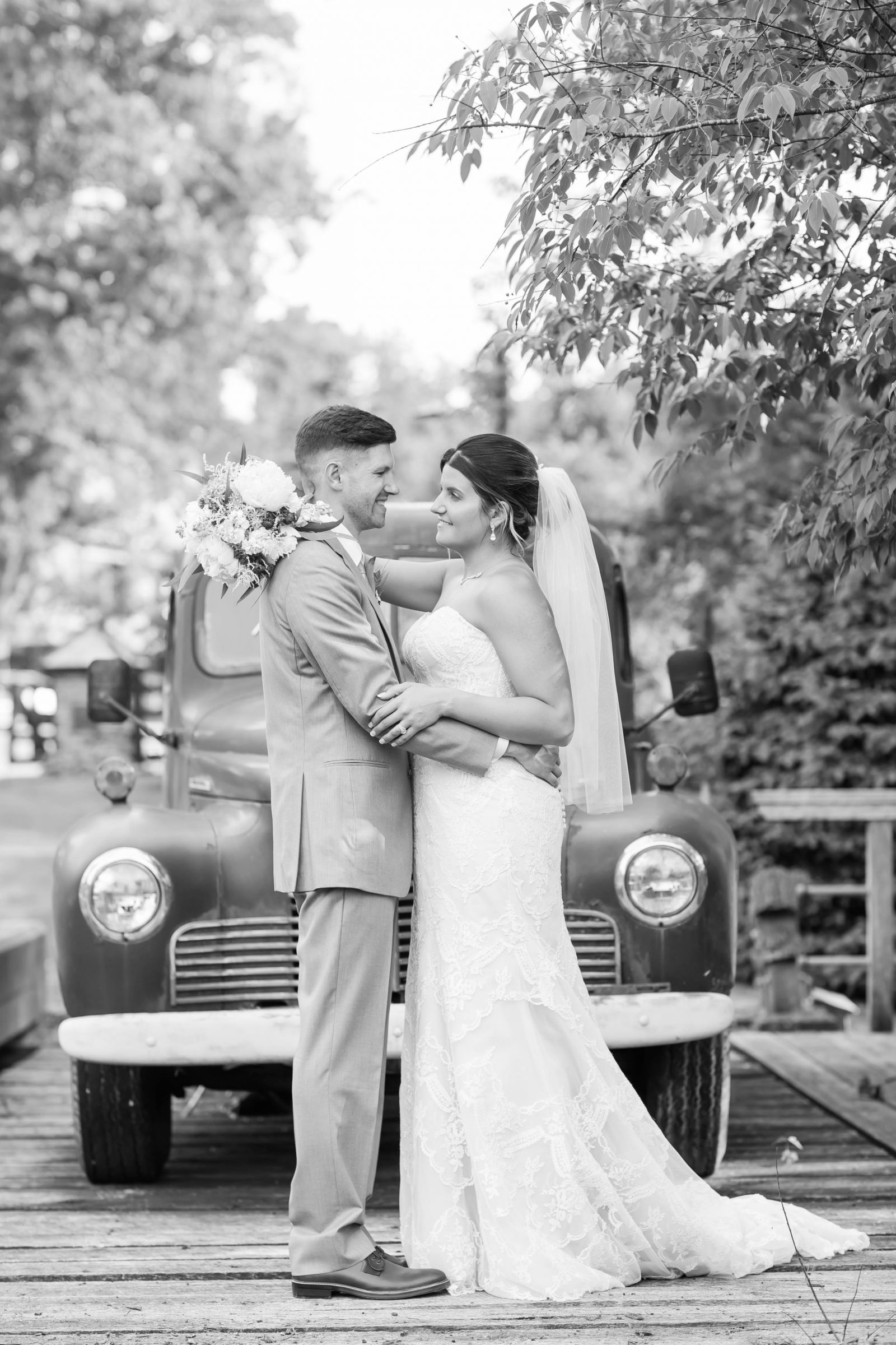 rivercrest-farm-summer-wedding-loren-jackson-photography-88