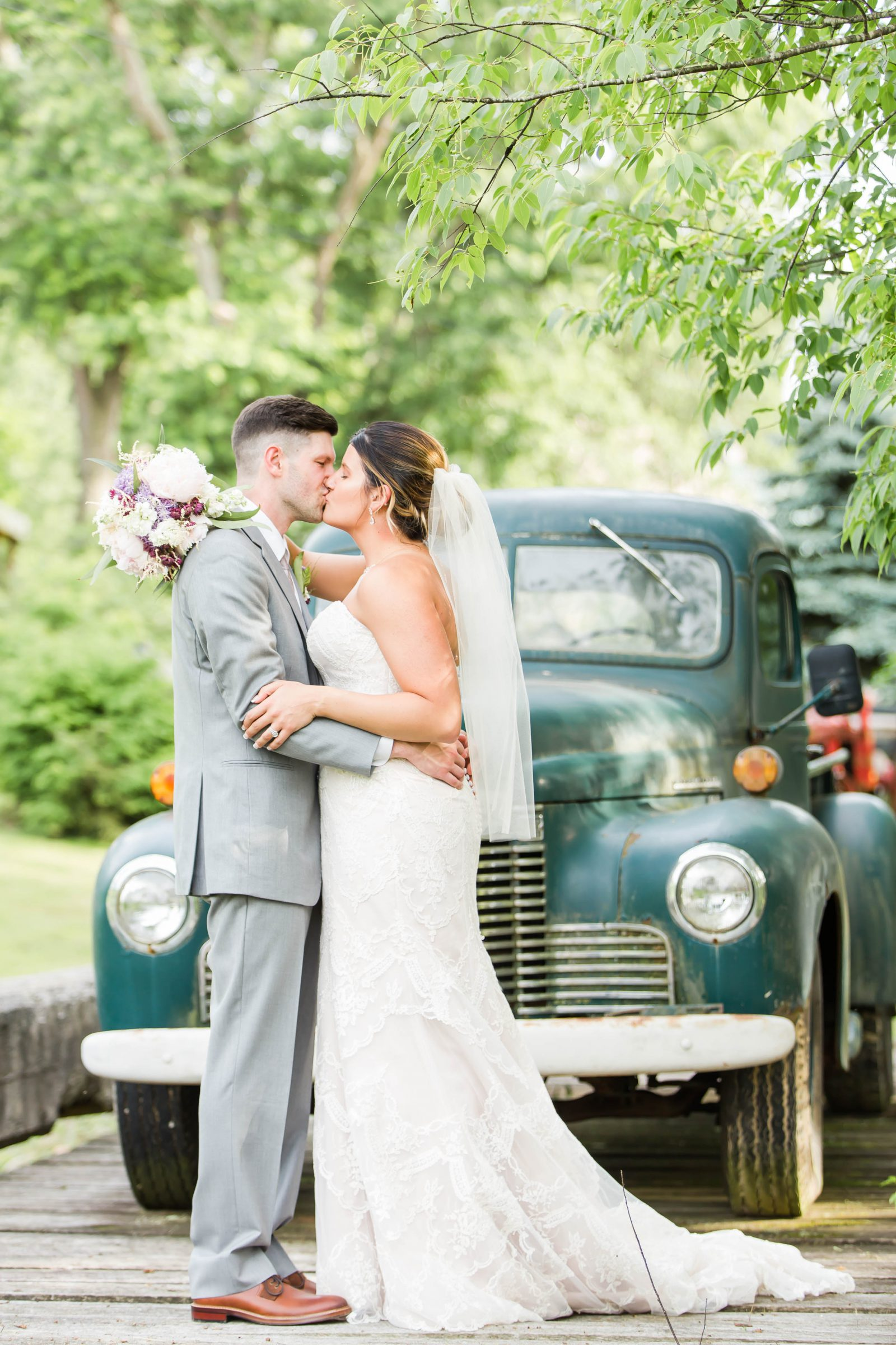 rivercrest-farm-summer-wedding-loren-jackson-photography-91
