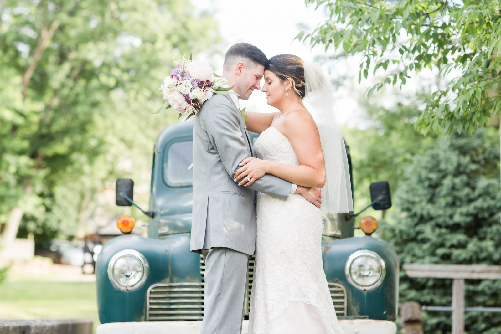 rivercrest-farm-summer-wedding-loren-jackson-photography-90