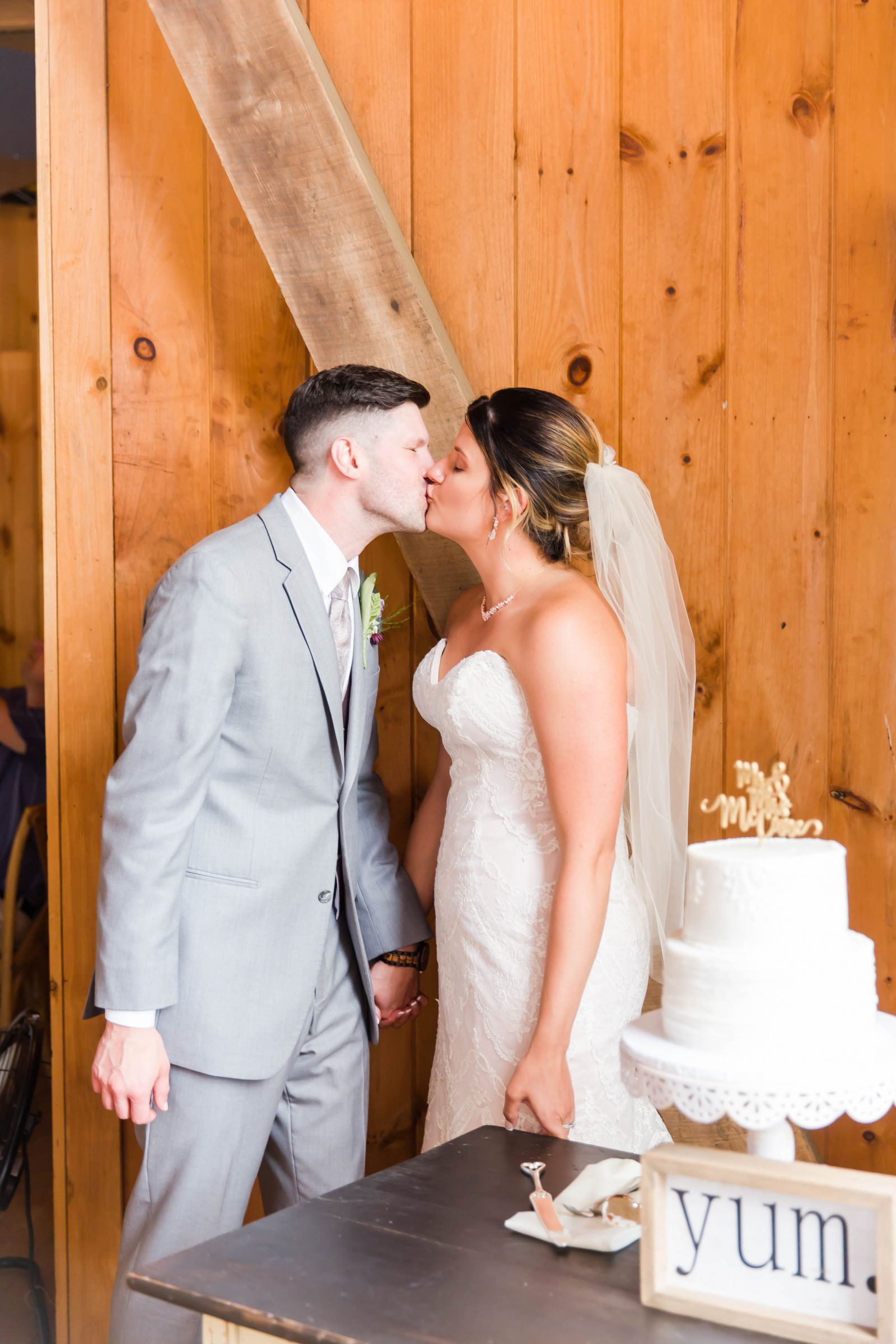 rivercrest-farm-summer-wedding-loren-jackson-photography-98