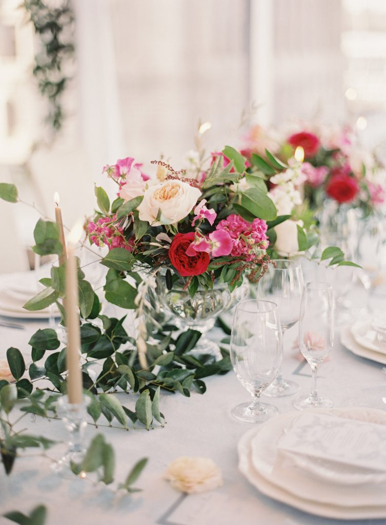 Romantic Centerpieces with Candles for Wedding