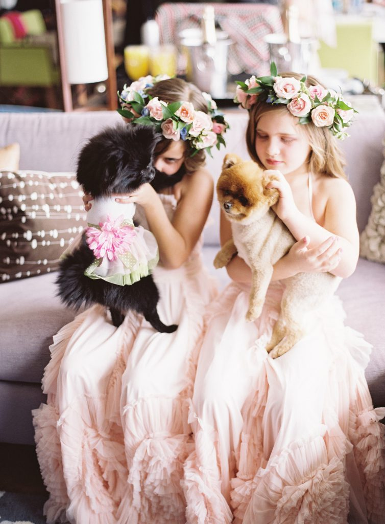 Flower Girls play with puppies at Cleveland Museum of Art Weddings