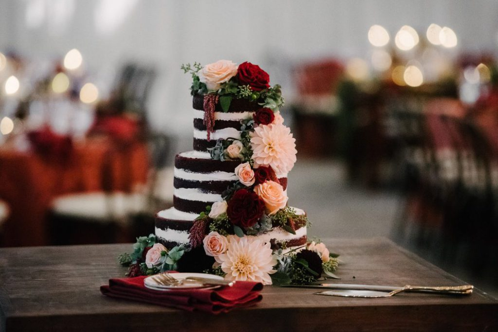 Plantscaping & Blooms Tablescapes & Cakes 11