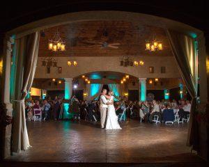 An Elegant Vineyard Wedding to Remember!