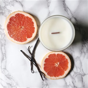 Grapefruit Vanilla Candle with Wooden Wick
