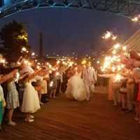 Bride and Groom Sparkler Sendoff at Music Box Supper Club Cleveland